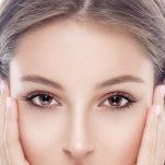 Φυσικές μάσκες απο σπίτι για να σβήσουν οι ρυτίδες γύρω απο τα μάτια.
