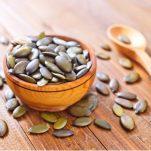 Λιναρόσποροι, ηλιόσποροι, chia και άλλοι σπόροι που πρέπει να τρως – Να τι σου προσφέρει καθένας!