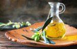 Πώς μπορεί το ελαιόλαδο να βοηθήσει τα φρύδια σας να μεγαλώσουν;