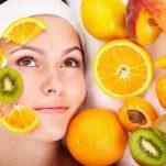 Ποιο είναι το ιδανικό φρούτο για να σβήσουν οι ρυτίδες των ματιών;