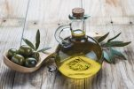 Ελαιόλαδο: Το υγρό χρυσάφι θεραπεύει το δέρμα σας, συνταγές για καθαρό πρόσωπο!
