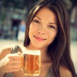 4 μάσκες με μαγιά μπίρας που θα λατρέψεις