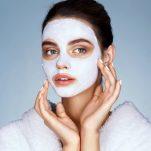 Θες όμορφο λείο λαμπερό δέρμα που δεν γερνά; Κάνε αυτή τη φυσική απλή μάσκα!
