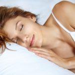 Οι 8 χειρότερες τροφές για να φας πριν τον ύπνο