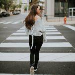 Μάθετε πόσο πρέπει να περπατάτε για να κάψετε το λίπος στην κοιλιά σας