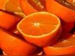 5 Σπιτικές μάσκες προσώπου με πορτοκάλι που θα λατρέψεις