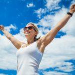 Γιατί παχαίνουμε στην εμμηνόπαυση – οι ορμόνες και 2 συμβουλές για να μην πάρεις βάρος