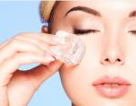 Παγοθεραπεία: κάντε mini botox με τα παγάκια απο το ψυγείο σας
