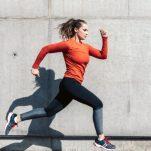 Πώς θα φαίνομαι νεότερη: Ποια γυμναστική και με ποιον τρόπο γυρίζει πίσω το χρόνο;