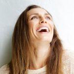Περιποίηση προσώπου μετά τα 40: Όσα χρειάζεσαι για άψογη επιδερμίδα