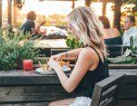 Η διατροφή της μακροζωίας: Τι να τρώτε για να ζήσετε περισσότερο