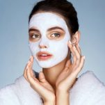 5 πράγματα που κάνουν οι ίδιοι οι δερματολόγοι στο πρόσωπό τους