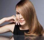 Τα μαλλιά σας λαδώνουν γρήγορα; Αυτή η DIY συνταγή θα σας λυτρώσει!