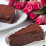 Νηστίσιμη τούρτα με σοκολάτα και ταχίνι χωρίς γλουτένη