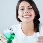 Τα βήματα για τέλεια στοματική υγεία (και πώς θα κάνεις σωστό βούρτσισμα των δοντιών)