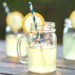 Σπιτική λεμονάδα με λίγες θερμίδες: Το τέλειο δροσιστικό ποτό για το καλοκαίρι