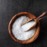 Πόσο αλάτι πρέπει να τρώμε και πώς θα μειώσεις το πολύ αλάτι στη διατροφή σου