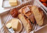Ψωμί στη γάστρα χωρίς ζύμωμα από την Σεφ Νικόλ Μαρίνου