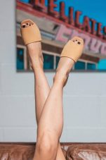 Έχεις σημάδια στα πόδια; 3 φυσικοί τρόποι να τα εξαφανίσεις